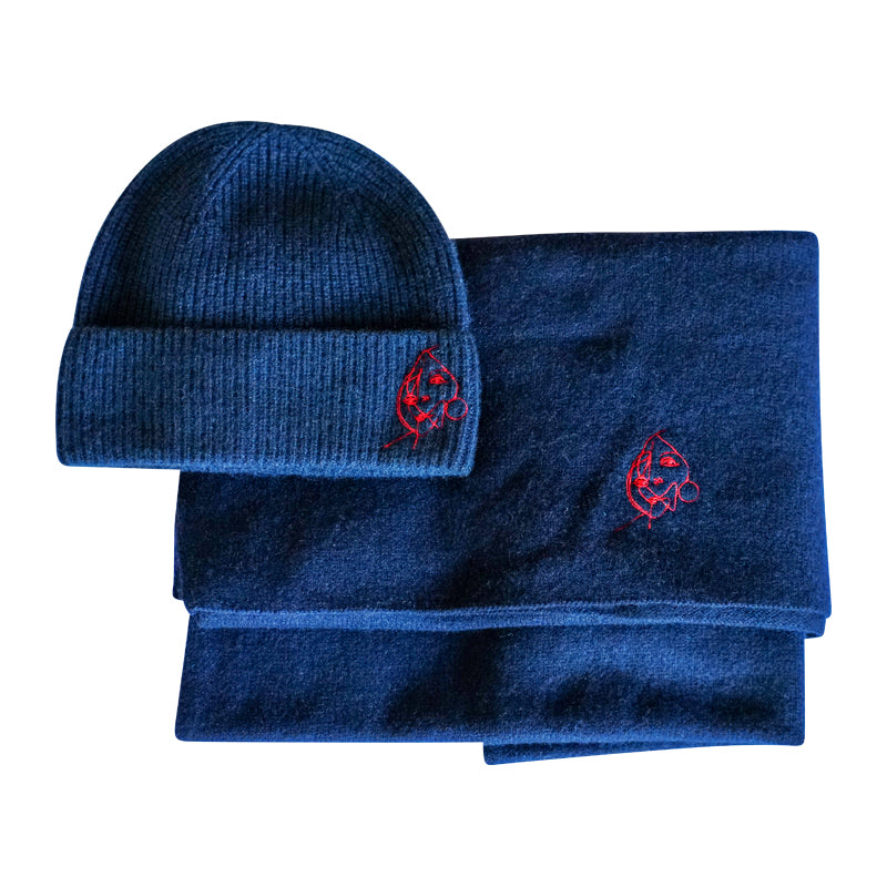 Cashmere hat with embroidery, navy