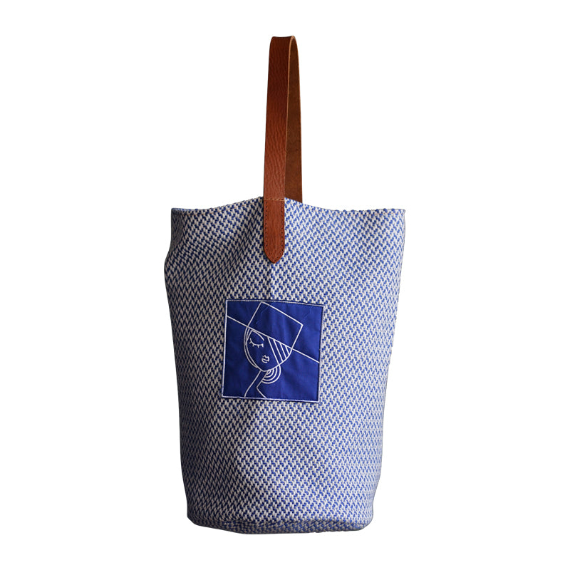 Large Tote blue & white, embroidered patch