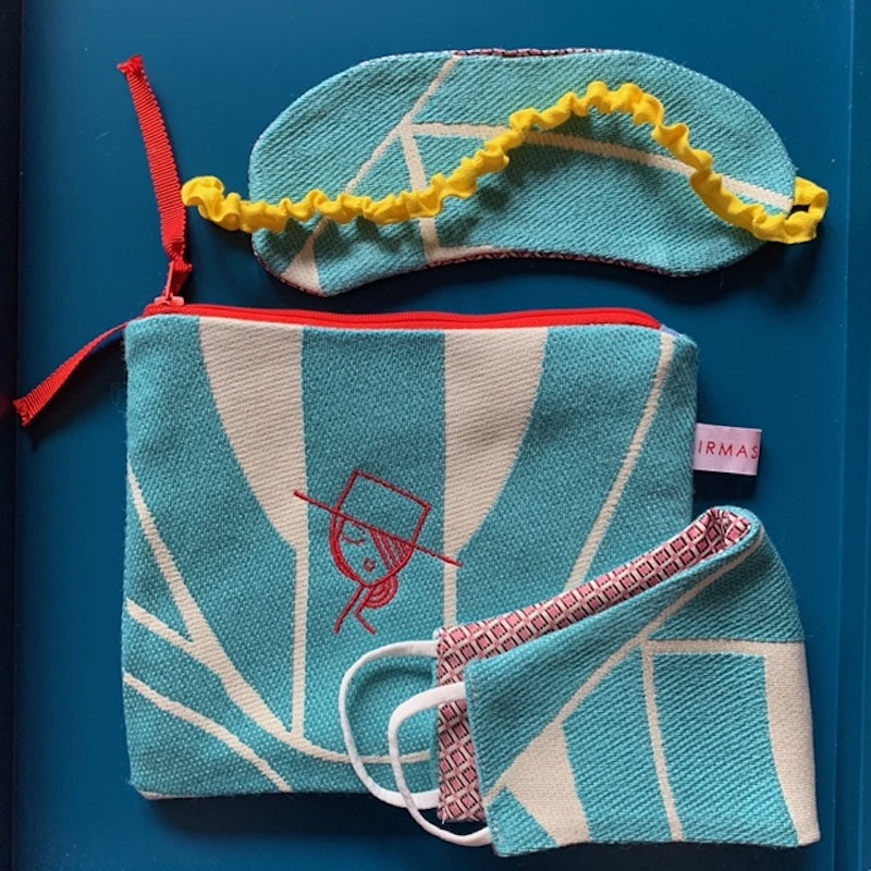 IRMA embroidered Travel Kit 3