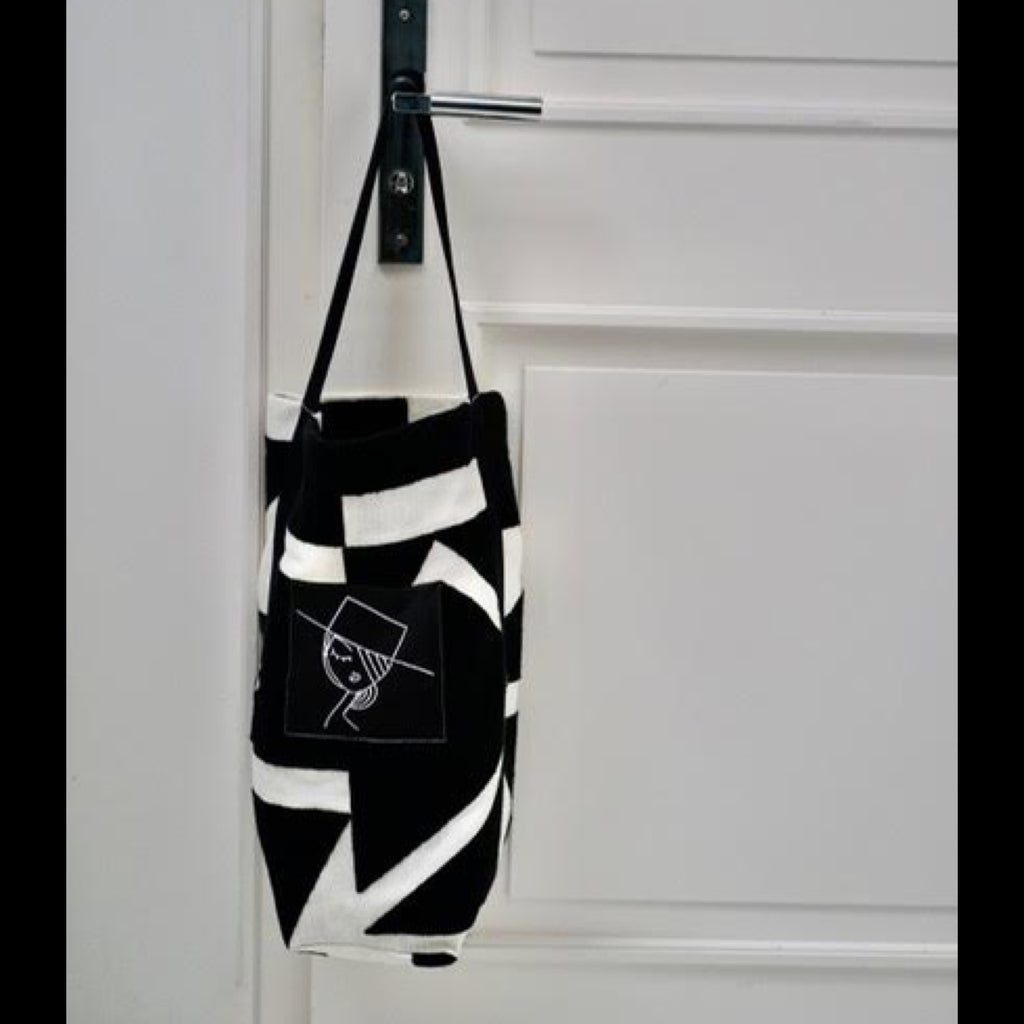 Large Tote black & white