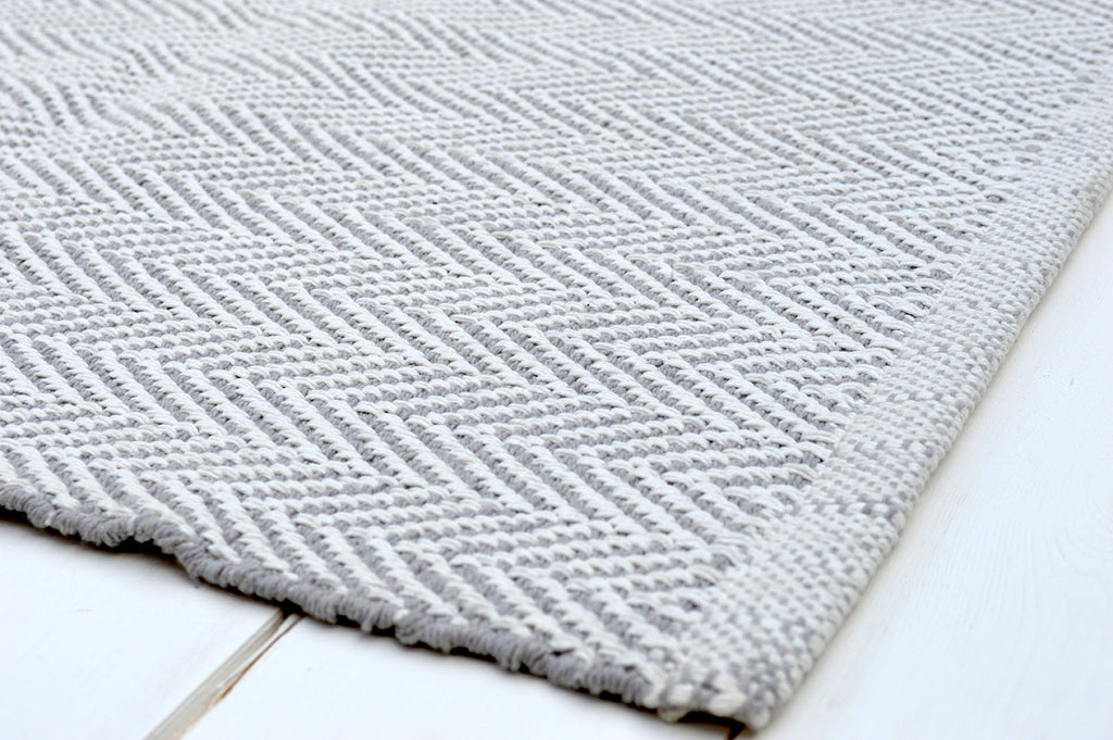 Floor Rug, 100% Cotton Herringbone Weave in Dove Grey / White 4 Sizes