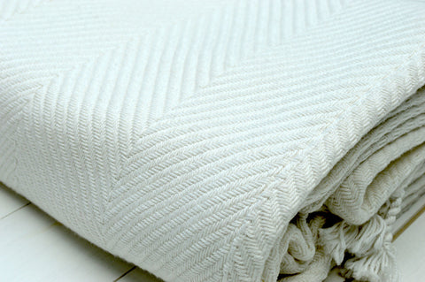 Throw, 100% Cotton Herringbone Weave 150x200cm Antique White