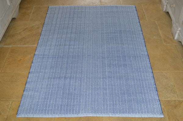 Floor Rug, 100% Cotton Herringbone Weave in Indigo Navy / White 4 Sizes