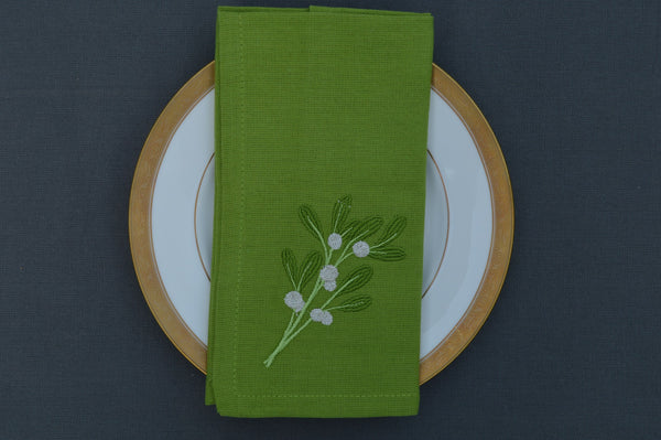 Christmas Napkins, Green with sprig of Mistletoe 41x41cm 16x16