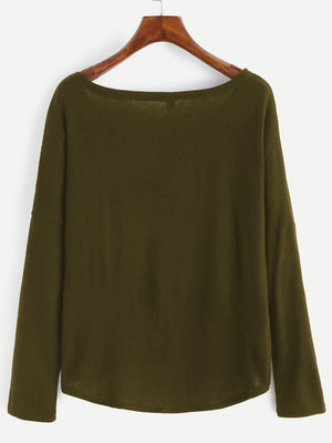 Army green knitwear with a side pocket. Regular fit and very stretchy.