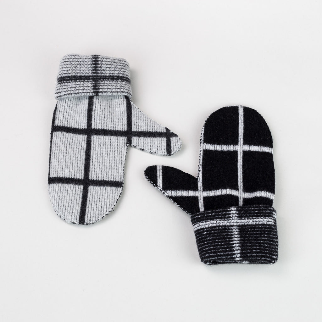 Lambswool Grid mittens in black and white and grey by Giannina Capitani | Knitwear and accessories at Labrador