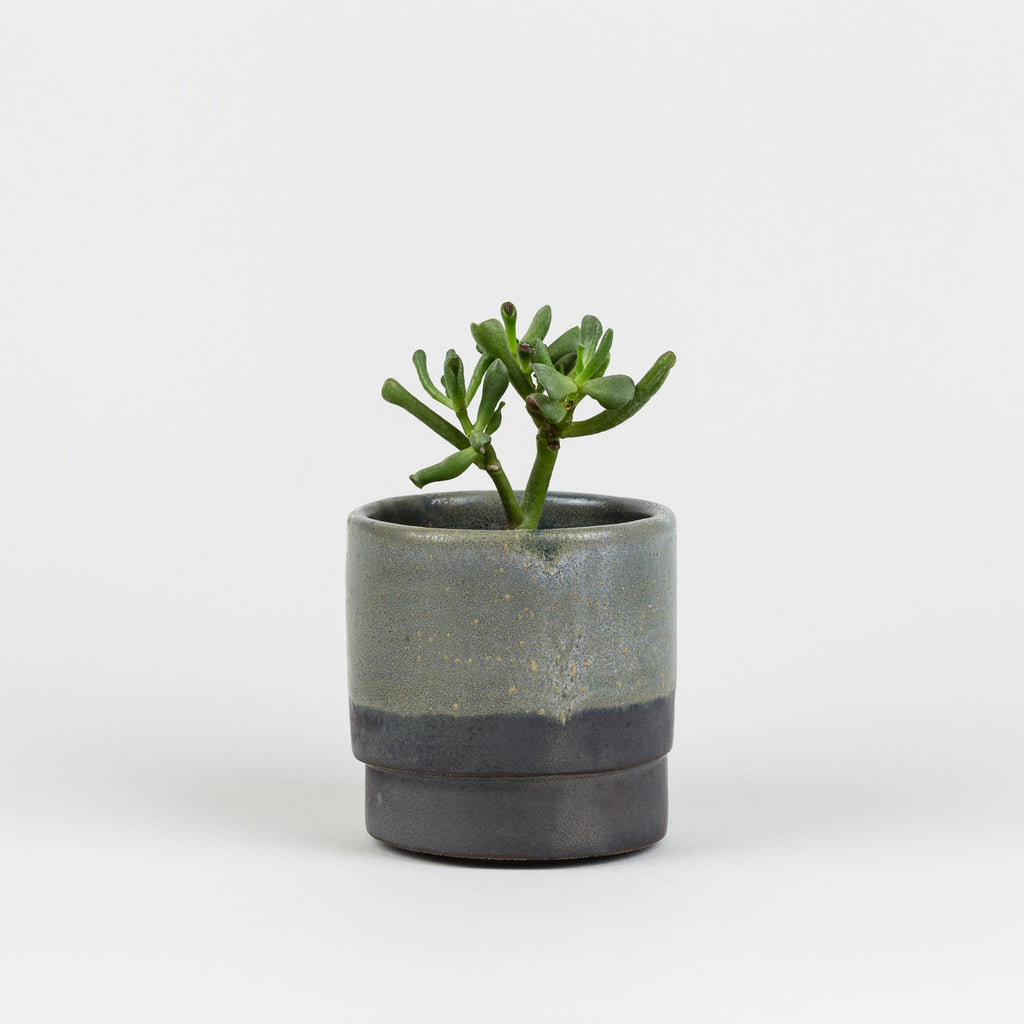 Black Pot by Labrador | Handmade Functional Studio Ceramics at Labrador