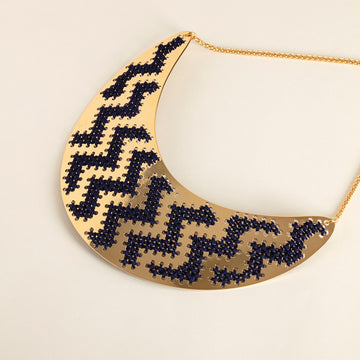 collier plastron broderie camille enrico