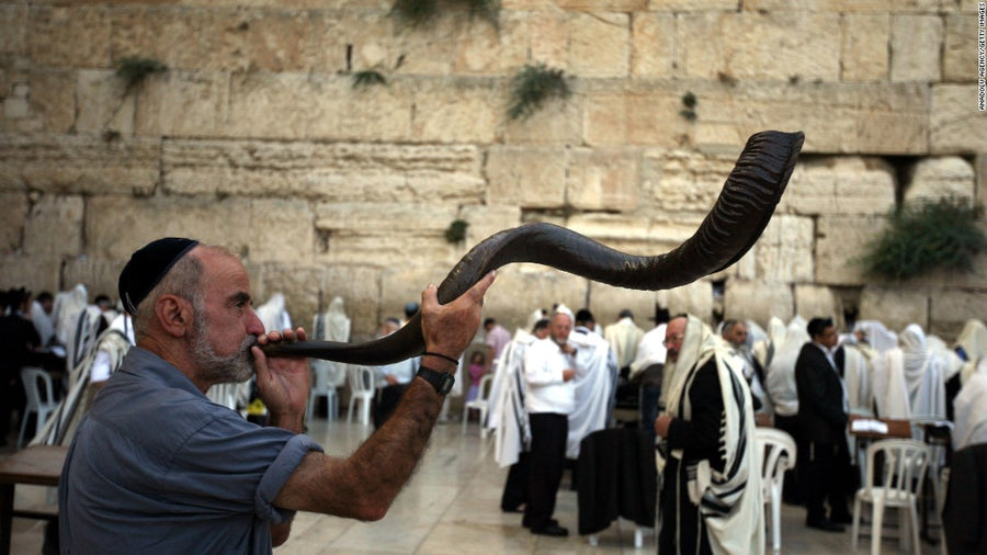 Sounding the Shofar: 3 Ways to Observe Rosh Hashanah