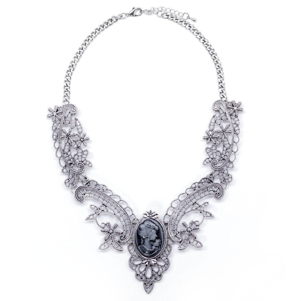 Victoriani Necklace