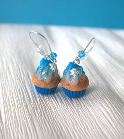 """Frozen"" inspired cupcake earrings"