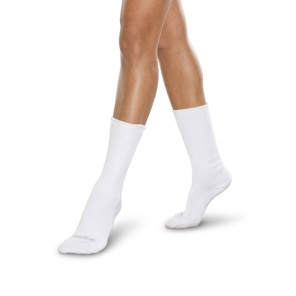 SmartKnit Seamless Diabetic Coolmax Crew Socks - White
