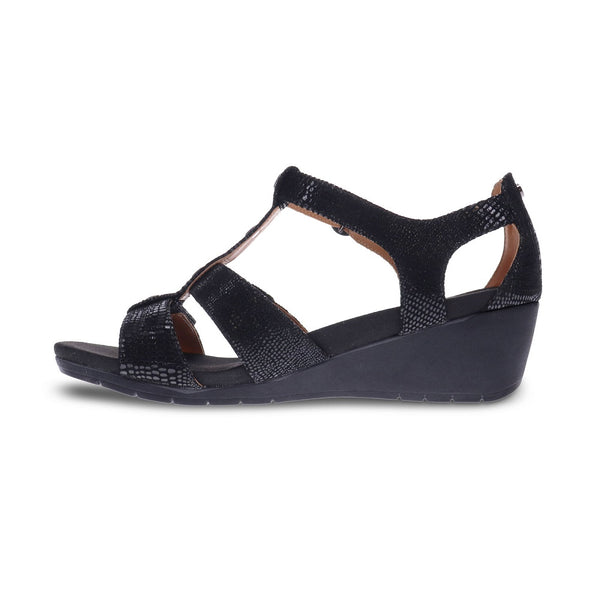 Revere Women's Nassau T-Bar Sandals