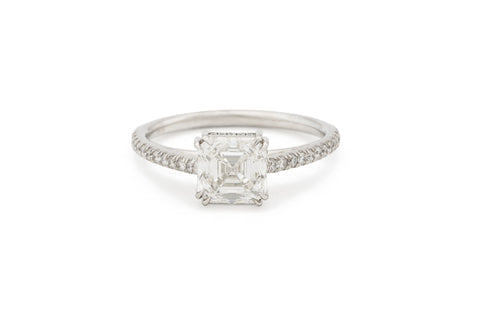 Asscher Cut Solitare Diamond Ring