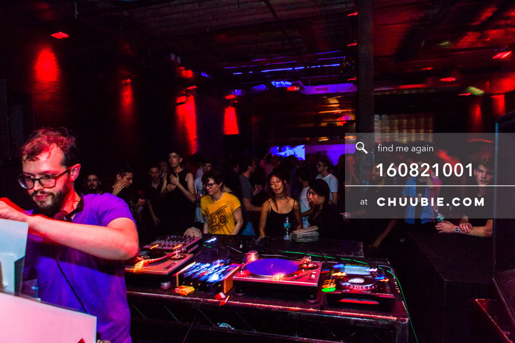 160821001 |  Sagotsky opening open the floor for a truly stellar night ahead. at Electric Minds 10: Sublimate... | Team Chuubie