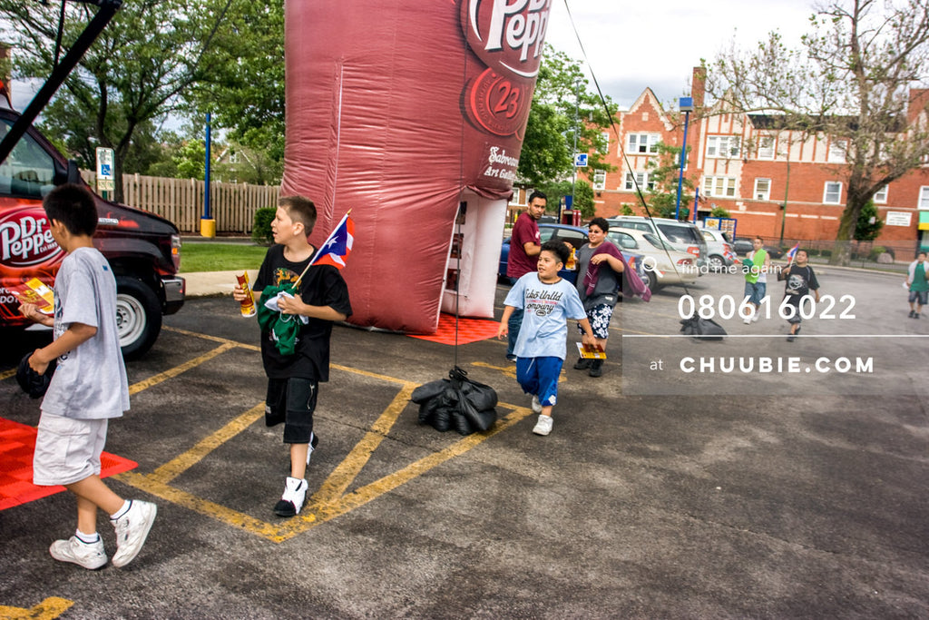 080613022 |  Group of neighborhood kids running to check out the prize wheel.  —Dr. Pepper Sabrosura mobile t... | Team Chuubie