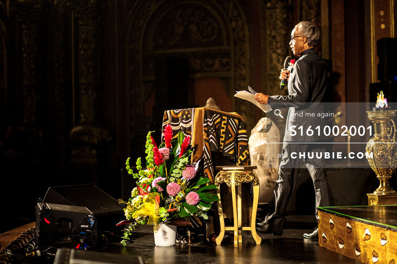 S161002001 |   Side Profile: Reverend Al Sharpton speaking at United Palace; photographed in New York on Octob... | Team Chuubie
