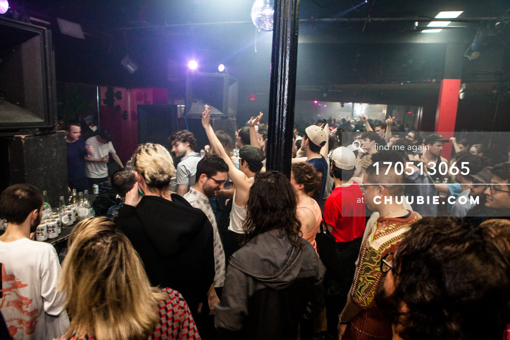170512065 |  Crowd applauses as Pearson Sound & Ben UFO finish set at Sugar Hill Disco, Brooklyn.  —Subli... | Team Chuubie