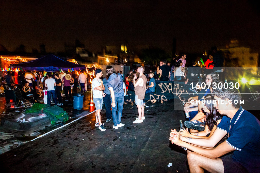 160730030 | Crowd at the outside rooftop bar. — Sublimate & Ruse Labs present: Mood ii Swing. Friday, Jul... | Team Chuubie