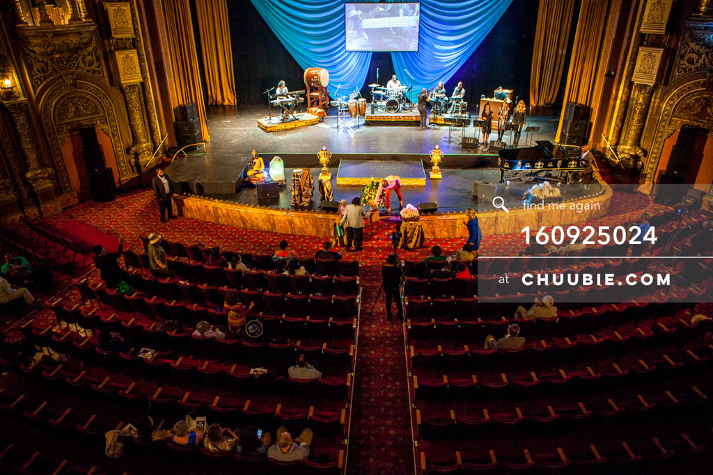 160925024 |  Aerial view of stage. United Palace House of Inspiration - Sunday Service 9/25/164140 Broadway, ... | Team Chuubie
