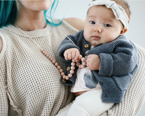 "The ""Ariana-Blush"" teething necklace"