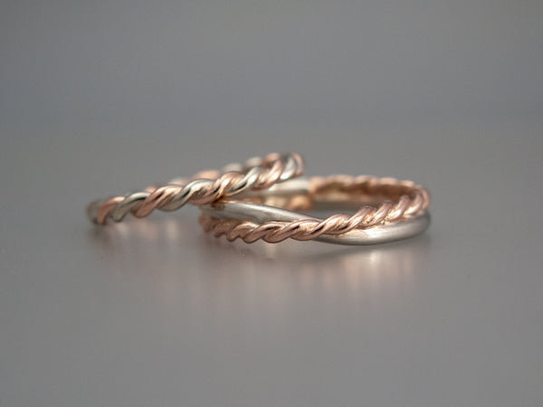 Mobius Twist Wedding Band in Mixed 14k Gold