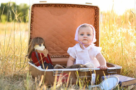 "<img src=""image.jpg"" alt=""doll baby girl"" title=""ashley carney photography""/>"