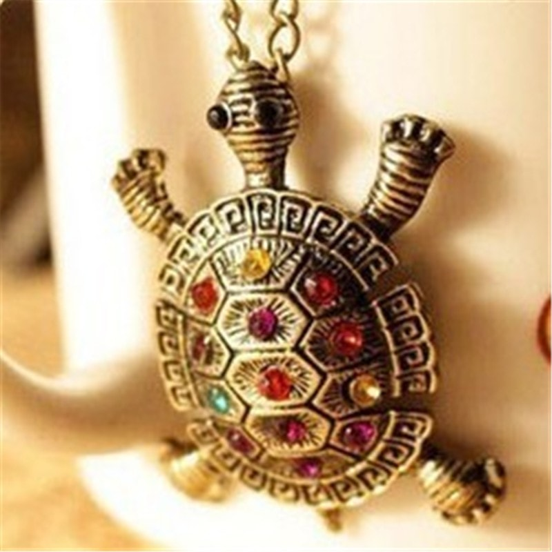 Exquisite Vintage Turtle Pendant Necklace