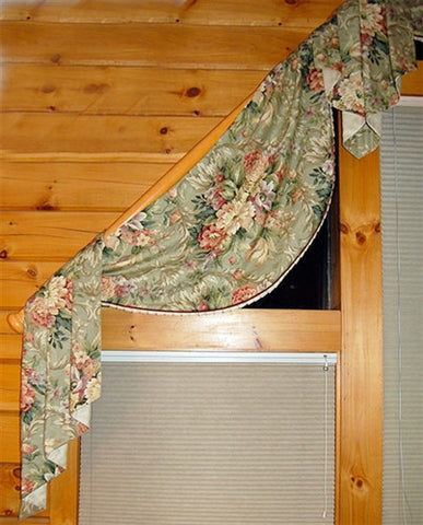 Monica Scallop Valance Template #8