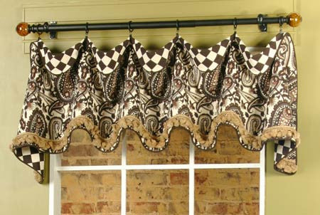 Cuff Top Valance by Pate Meadows