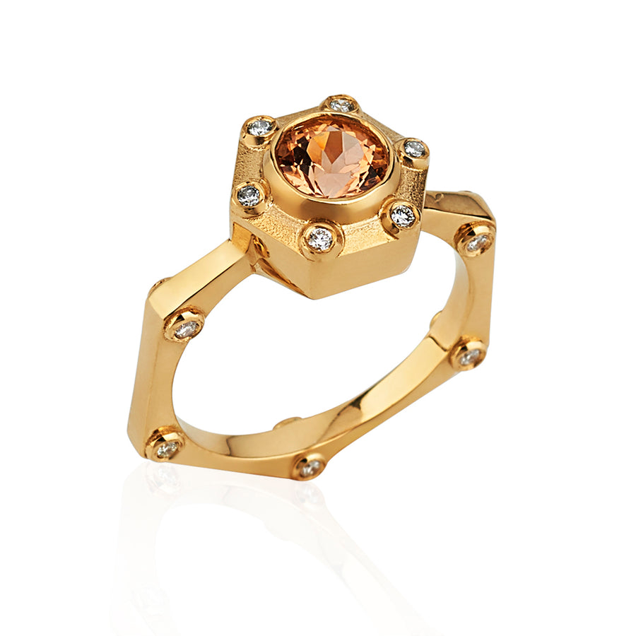 Hexy Ring in Yellow Gold and Topaz
