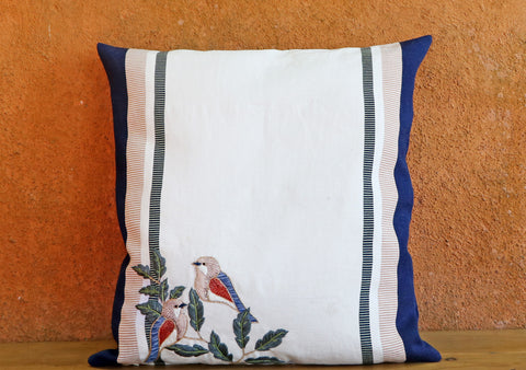 Bordado Pillow