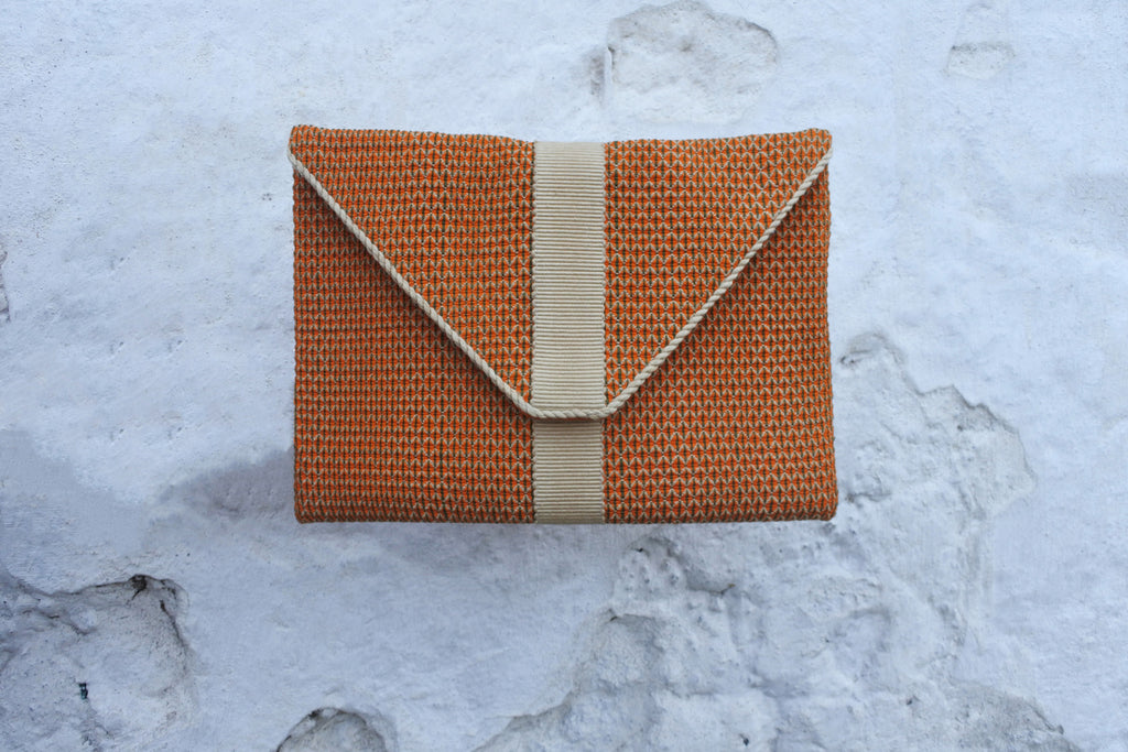 Orange Yuriño Clutch