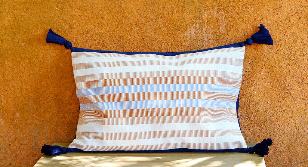 Azul Polvo Pillow