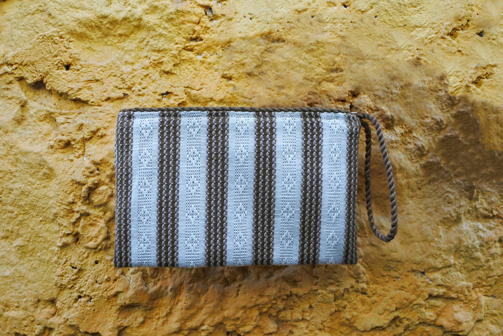 Classic Simple Clutch in Cruise