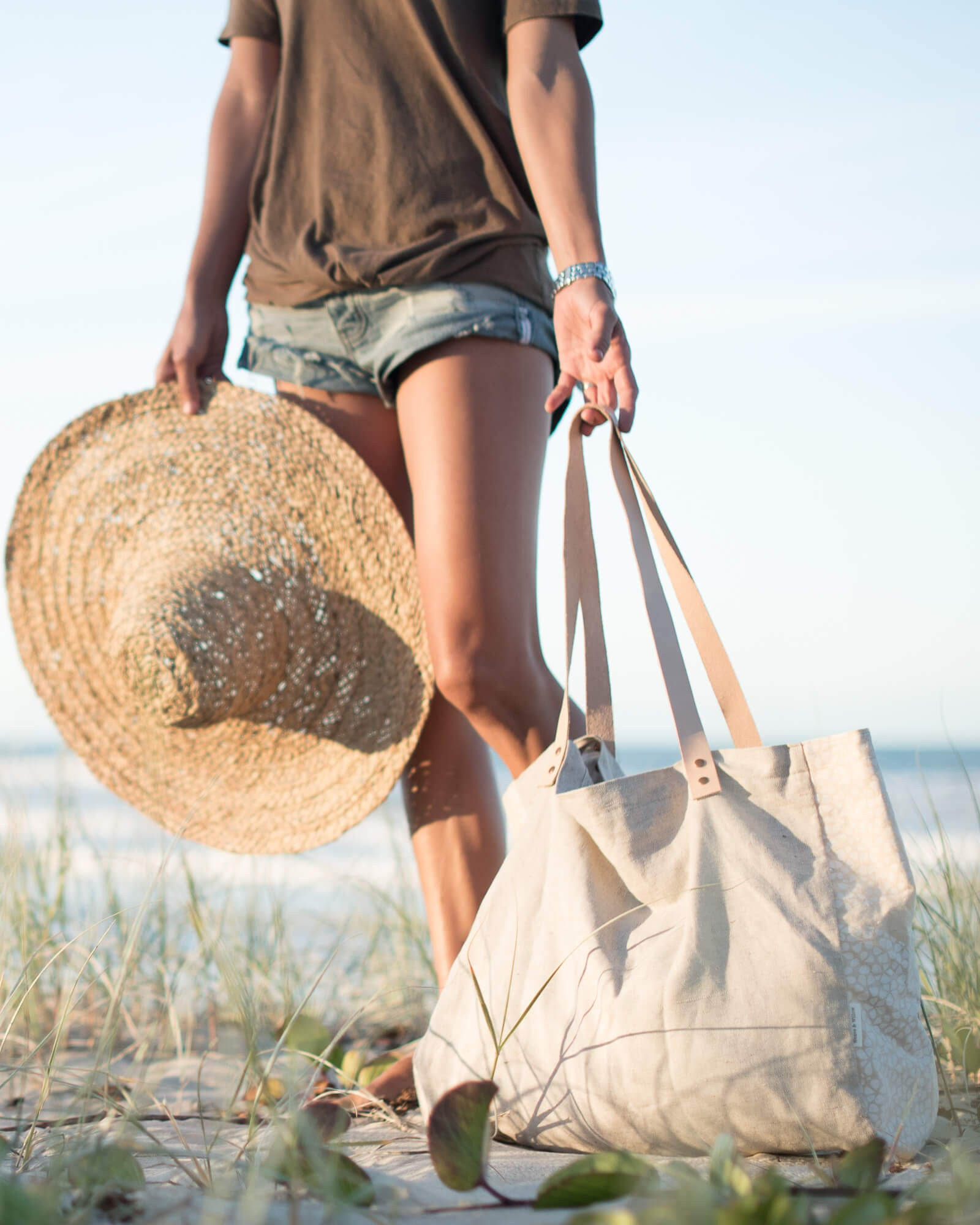 Oatmeal Beach Tote - Weave and Willow