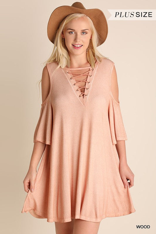 Cold Shoulder Dress with Criss Cross Keyhole Detail by Umgee (Curvy) - Blush Boutique Bremen