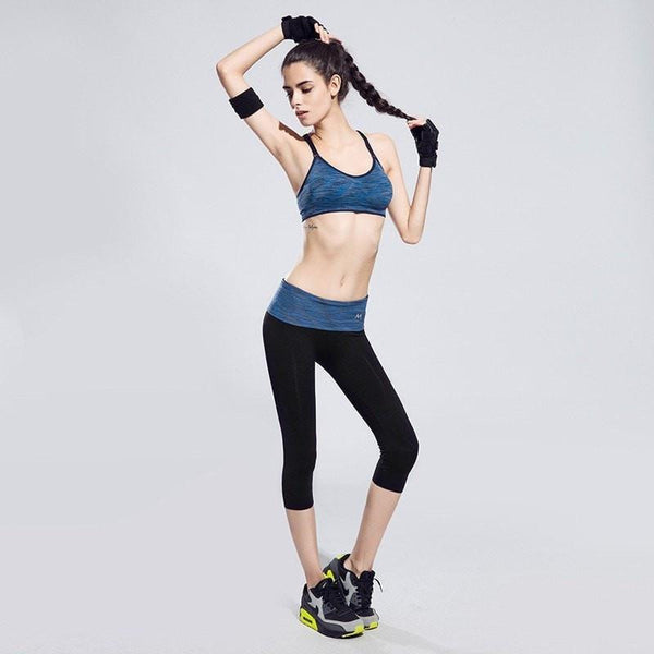 BUNDLE: Quick-Drying Cushioned Gym Bra Without Seams + Women waistband Sports ElastiC Capri - FitShopPro.com - 2