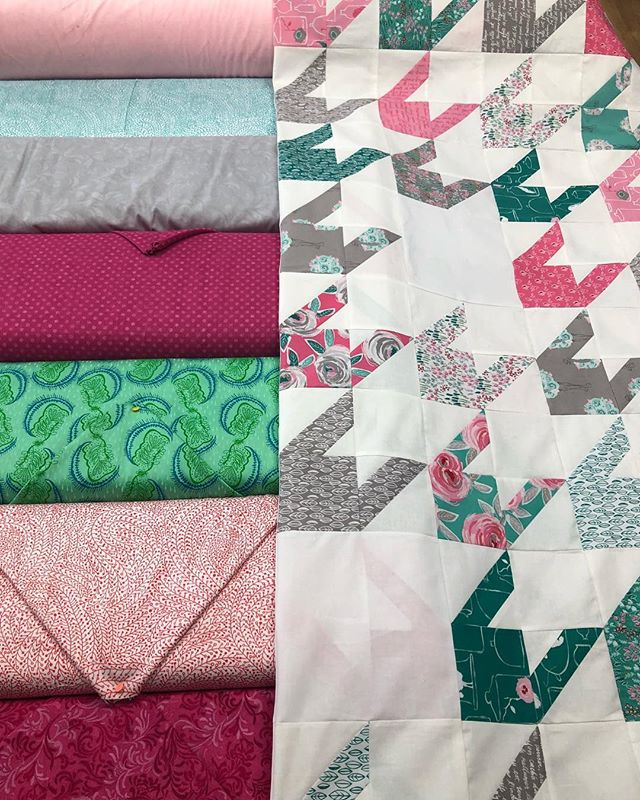 HELP ME. I can't pick which backing to use for this Almost Houndstooth Quilt. (1