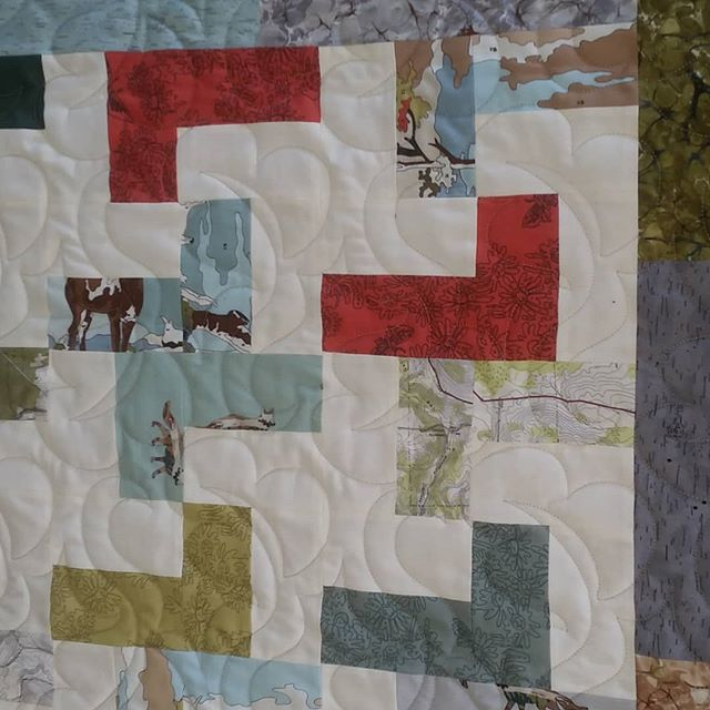 "Pattern ""Gusty"" sewn on QUILT PATH."