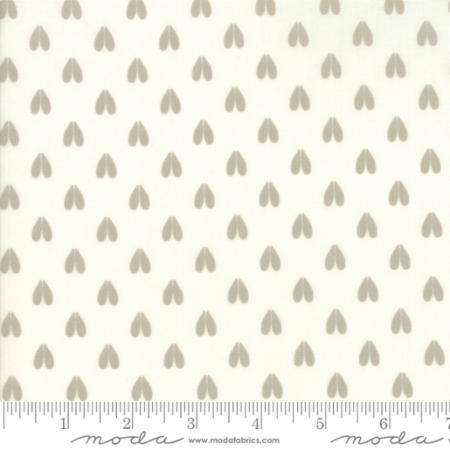 Woodland Secrets Cloud - Doe a Deer White - Moda