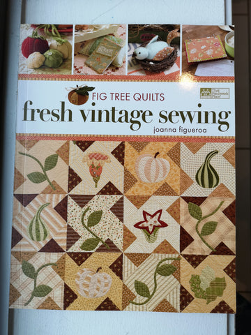 Bradie's De-Stash: Fresh Vintage Sewing book by Joanna Figueroa