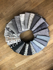 25 Grey Fat Quarter Bundle