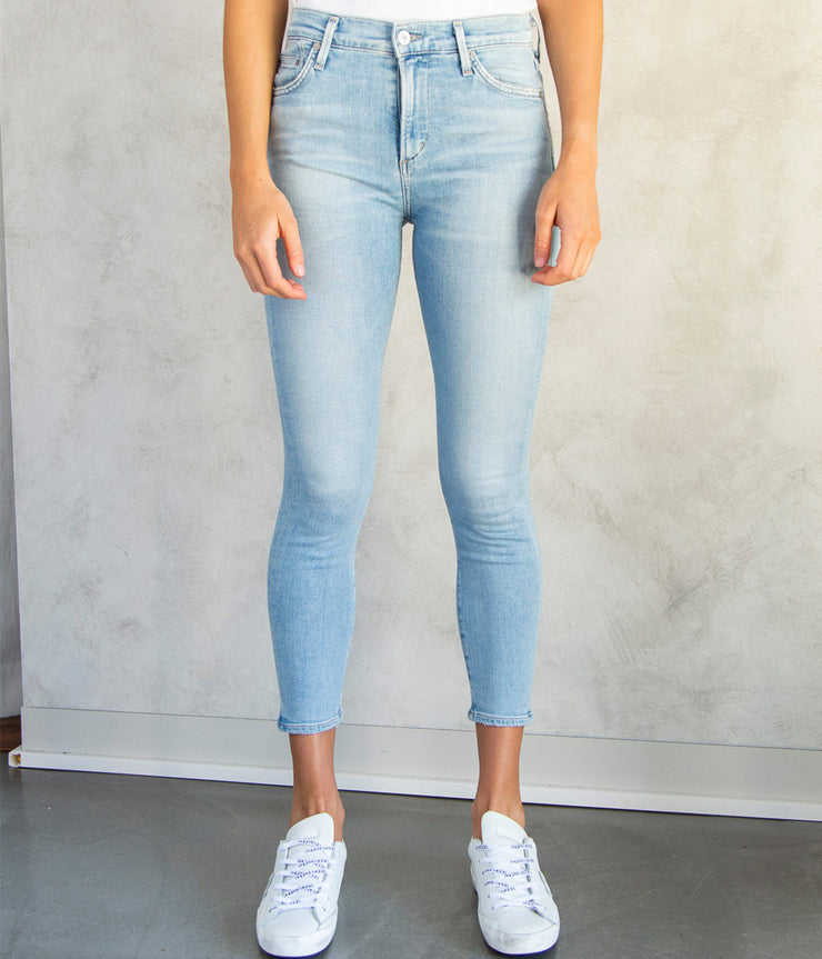 Rocket Crop Mid Rise Skinny in Soft Fade