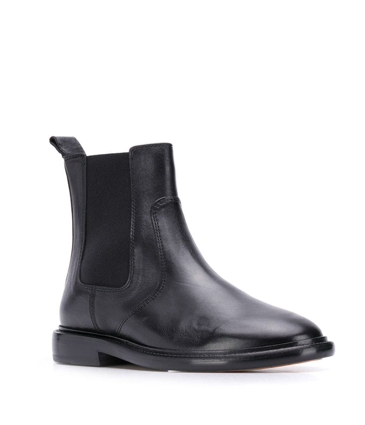 Chelay Boots in Black