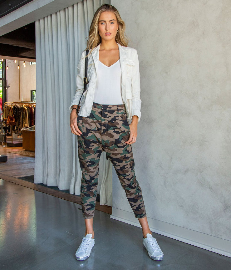 Paris Pant in Coyote Camouflage