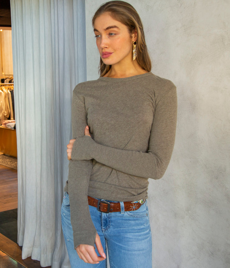Cashmere Cuffed Crew Top in Pebble