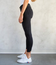 The Farrah Skinny Ankle Jeans in Black Café