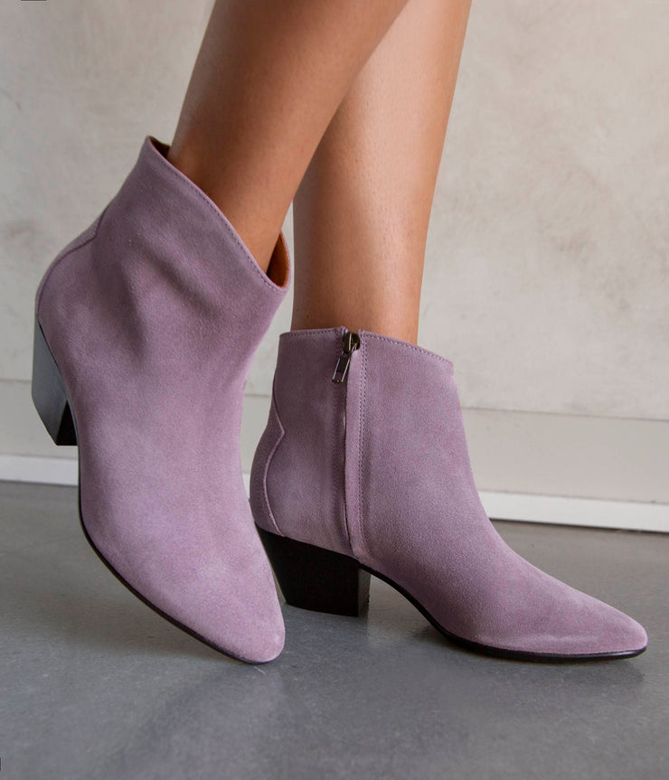 Dacken Boots in Mauve