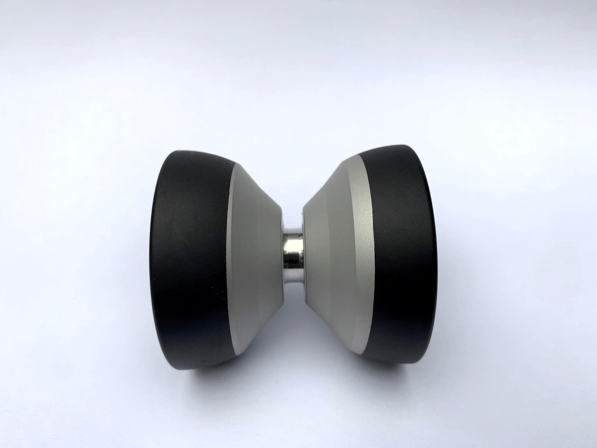 Black/Silver Rim Dipped Qubit
